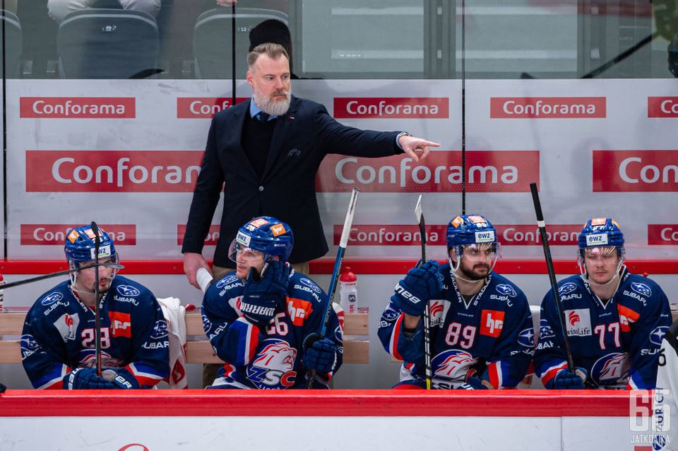 LAUSANNE, SWITZERLAND - JANUARY 31: Head Coach Rikard Gronborg of ZSC Lions reacts during the Swiss National League game between Lausanne HC and ZSC Lions at Vaudoise Arena on January 31, 2020 in Lausanne, Switzerland. (Photo by RvS.Media/Robert Hradil/Ge