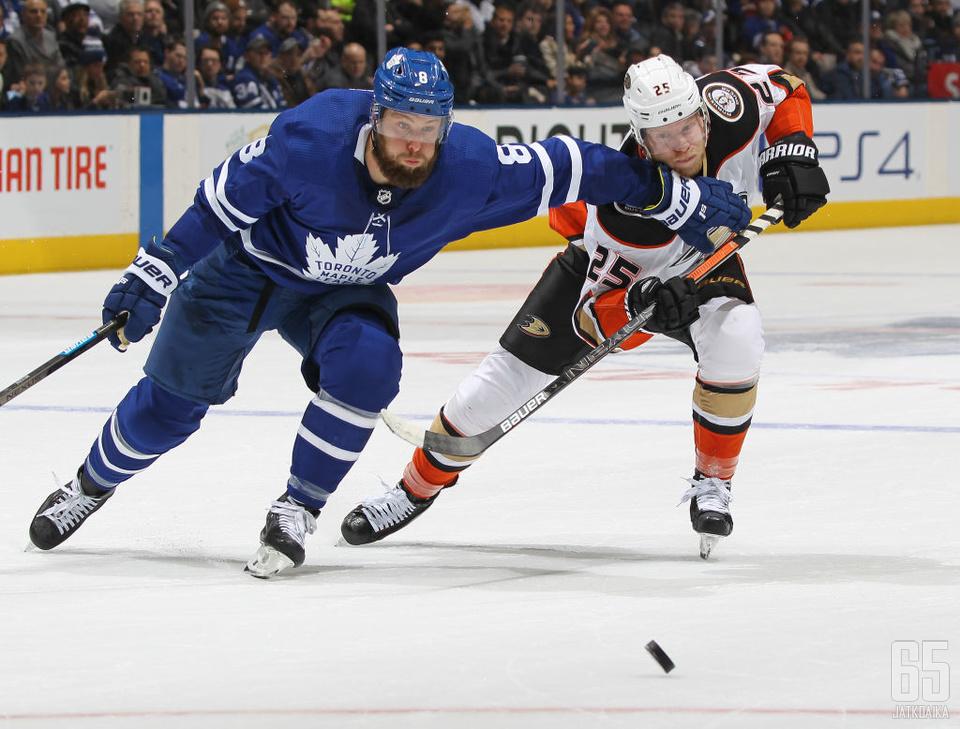 Jake Muzzin jatkaa Maple Leafsin takalinjojen vartiointia ainakin neljän kauden ajan.