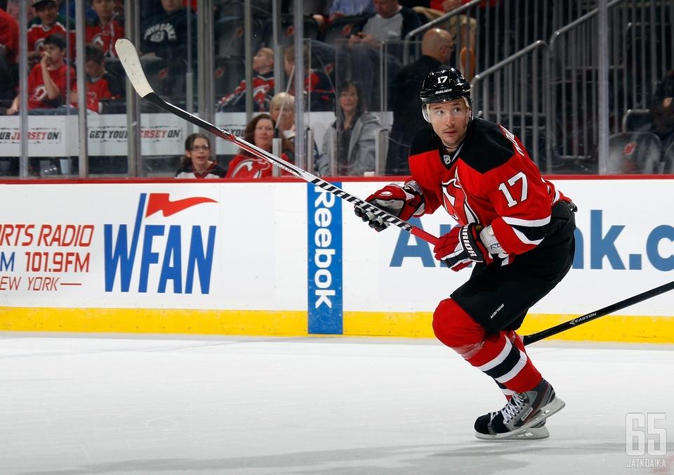 Edellisen kerran Ilja Kovaltšuk viiletti NHL-jäillä New Jersey Devilsin paidassa.