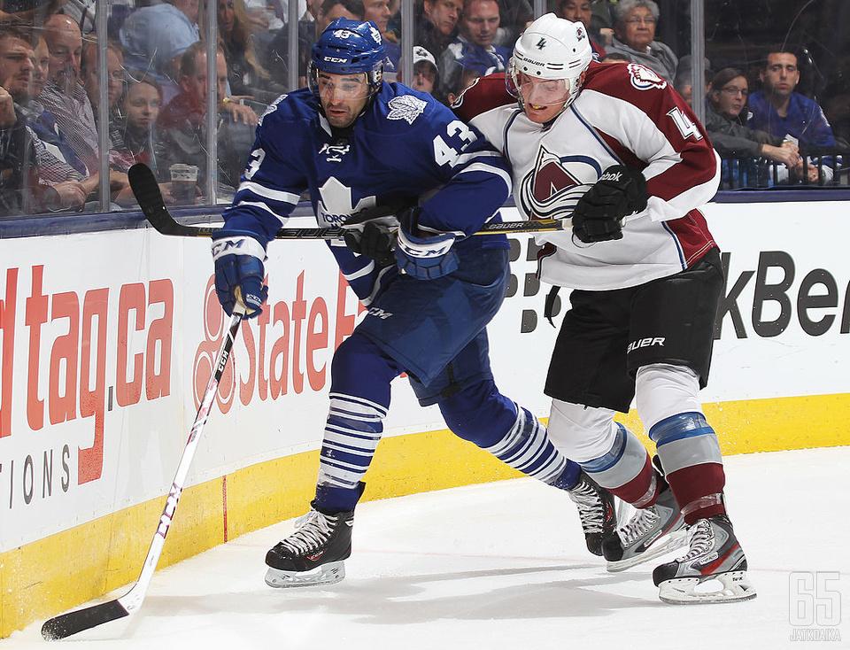 Nazem Kadri on ensi kaudella Colorado Avalanchen mies, Tyson Barrie puolestaan pukee Toronto Maple Leafsin paidan ylleen.