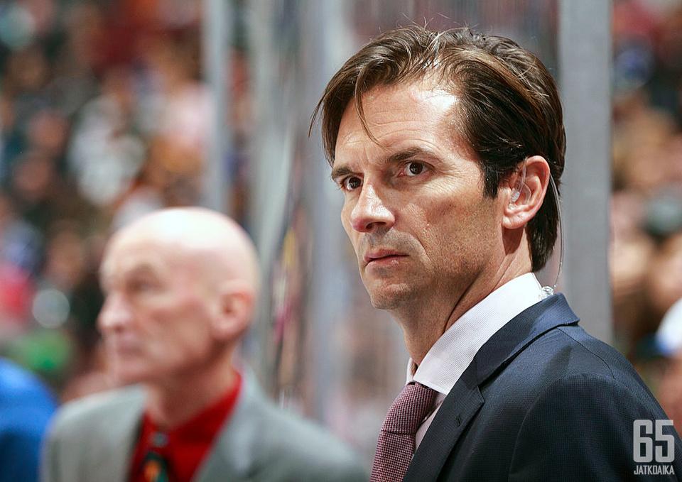 Tuleva kausi on Eakinsille kolmas päävalmentajan paikalla NHL:ssä.