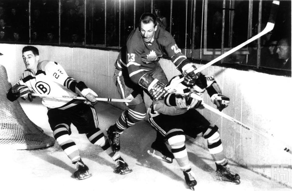 Eddie Shack tunnettiin 1960-luvun ärsyttäjäpelaajana.