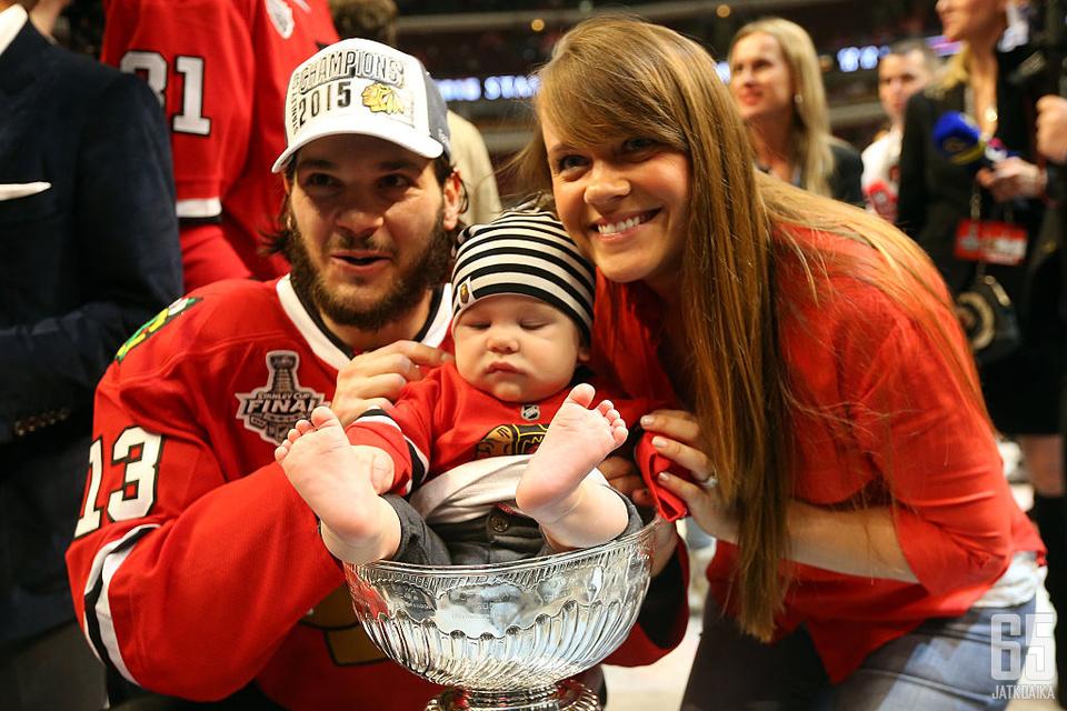 Stanley Cup -voittaja Daniel Carcillo on perheineen joutunut kärsimään uran jälkeisistä ongelmista.