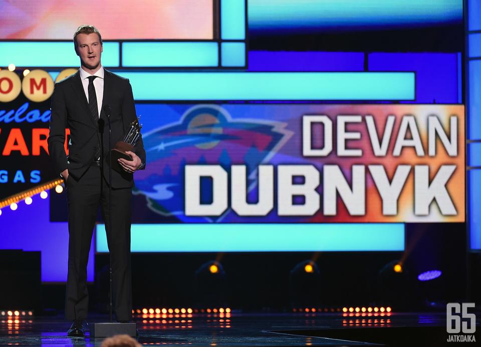 Devan Dubnyk kaappasi Masterton-palkinnon aiemmin tällä viikolla.