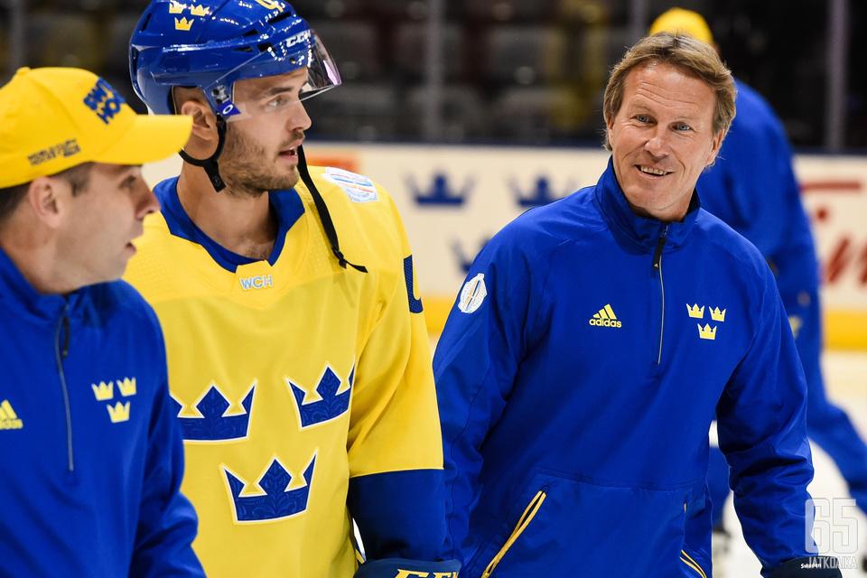 Johan Garpenlöv oli mukana jäällä Tre Kronorin valmentajana jo vuoden 2016 World Cupissa.