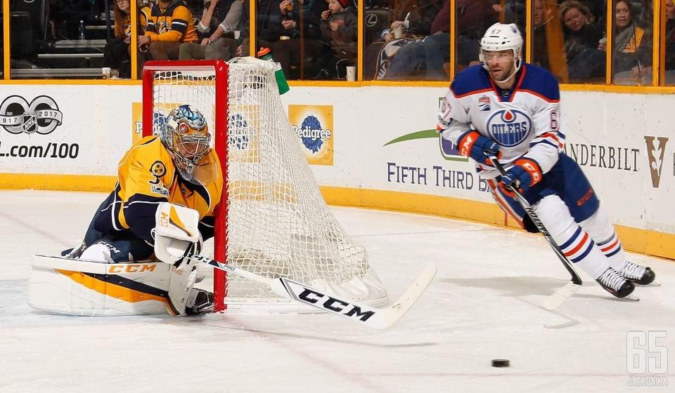 Pekka Rinne on ollut vaikea ohitettava Oilersin pelaajille.