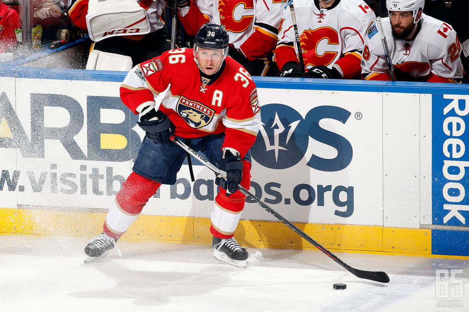 Jokinen toimi Panthersin varakapteenina kolmen kauden ajan.