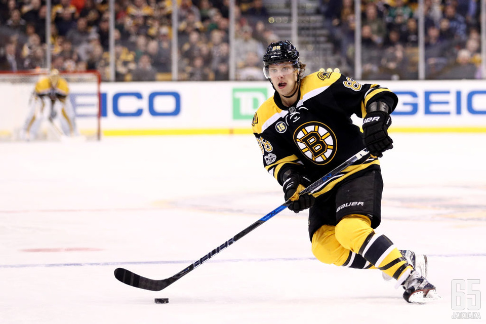BOSTON, MA - MARCH 30: David Pastrnak #88 of the Boston Bruins skates against the Dallas Stars during the first period at TD Garden on March 30, 2017 in Boston, Massachusetts. (Photo by Maddie Meyer/Getty Images)