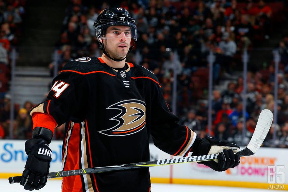 Henrique pelaa Ducks-paidassa myös tulevaisuudessa.