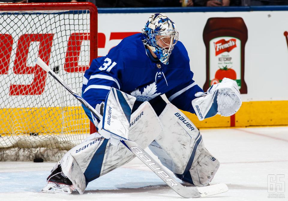 Frederik Andersen oli Maple Leafsin voiton takuumies.