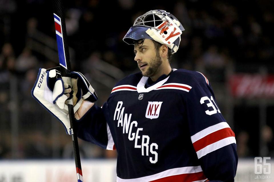 Pavelec pelasi viime kaudella Rangersin maalilla 19 ottelussa.