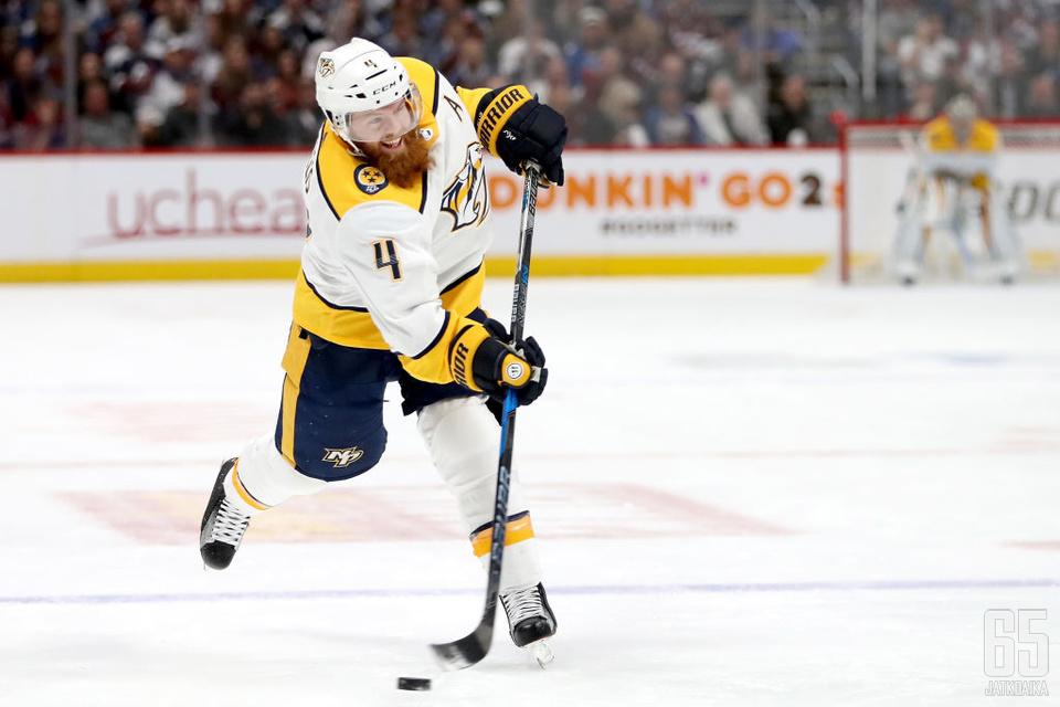 Ellis on edustanut Predatorsia koko NHL-uransa ajan.