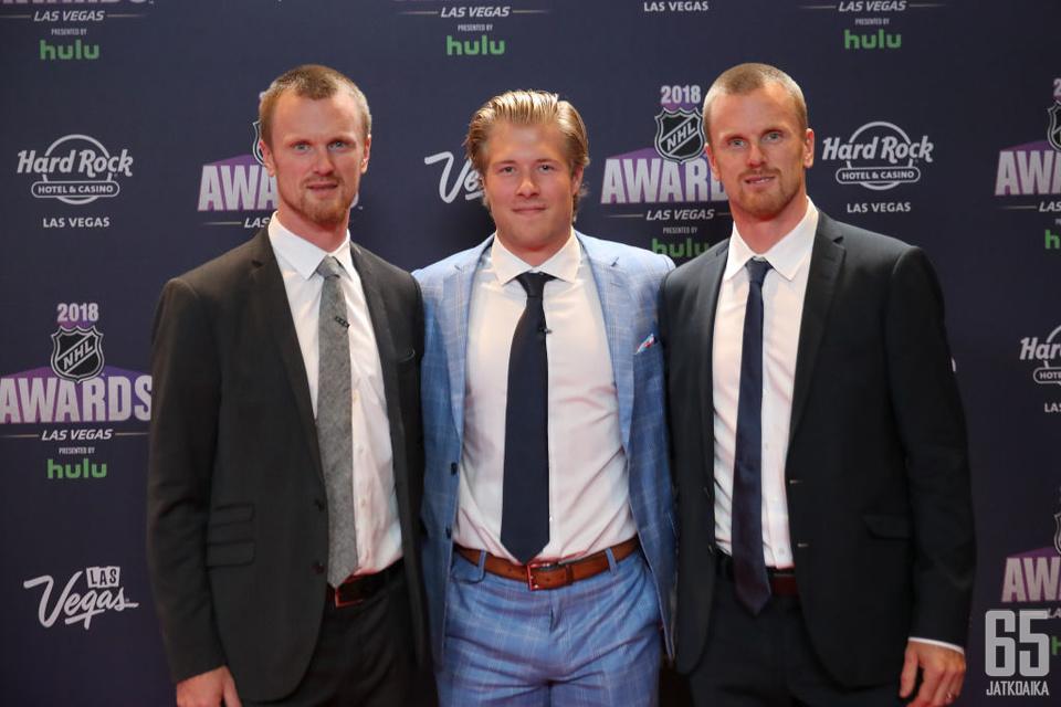 Brock Boeser (keskellä) on Canucksin tulevaisuus, Sedinin kaksoset jo menneisyyttä.