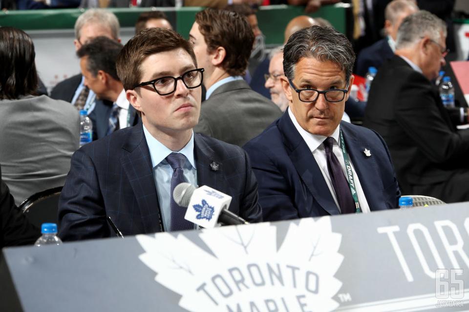 Maple Leafsin GM Kyle Dubas ja seurapresidentti Brendan Shanahan eivät ilahdu, mikäli heidän pelaajilleen tarjotaan offer sheet -tarjousta.