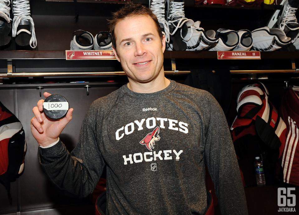 Whitney saavutti tuhannen NHL-pisteen rajan maaliskuussa 2012.