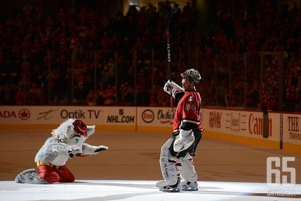 Miikka Kiprusoffin jälkeen Calgary Flamesin maalilla on käynyt useampikin maalivahti koettamassa onneaan.