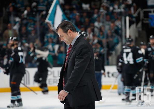 Vigneault poistuu Canucksin organisaatiosta.