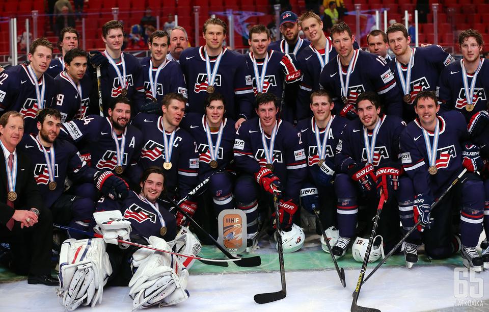 Yhdysvaltojen nuori ryhmä ylsi MM-kisojen kolmen parhaan joukkoon.