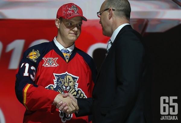 Barkov on askeleen lähempänä NHL-unelmaa.