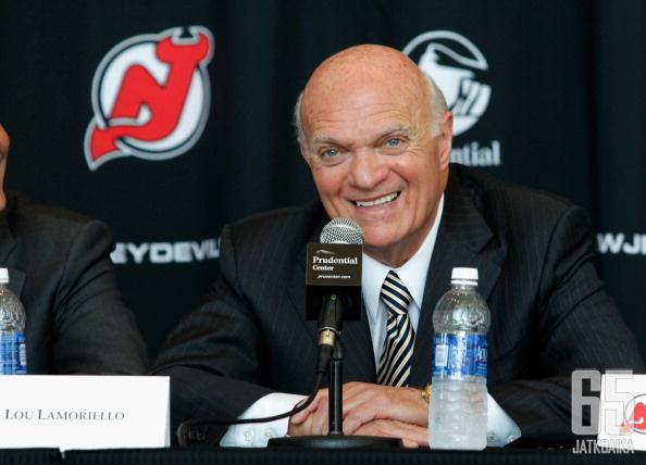 Lamoriello on toiminut Devilsissä useissa eri rooleissa jo kaudesta 1986-1987 alkaen.