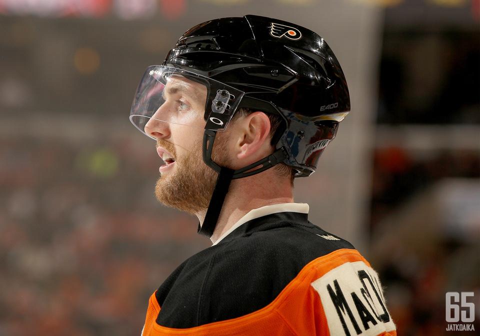 Flyers joutuu selviämään seuraavat viikot ilman Andrew MacDonaldia (kuvassa) ja Brayden Coburnia.