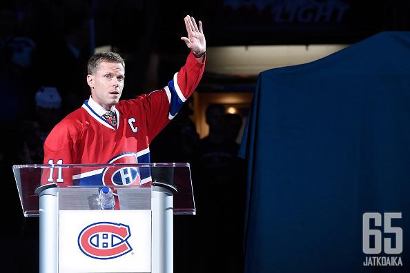 Montrealissa kunnioitettiin Saku Koivun uraa sopivasti Koivun toisen seuran Anaheim Ducksin saapuessa kylään. Koivun pitämä puhe oli osa ottelua edeltäneistä seremonioista.