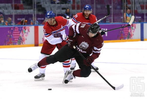 Pavlovs pelasi Latvian paidassa viisi ottelua olympialaisissa.