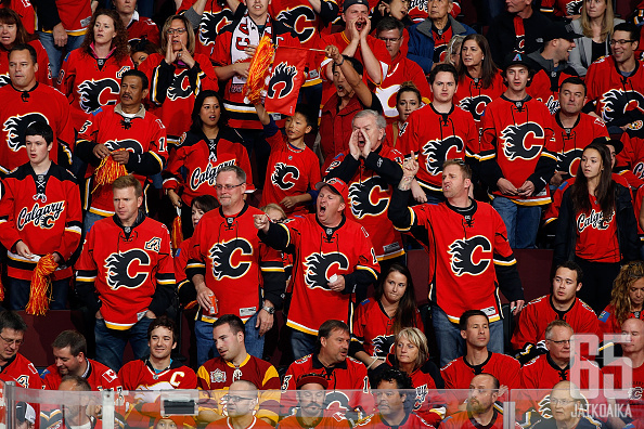 Calgary Flamesin fanit vaativat omiltaan pitkää kevättä tänä vuonna.