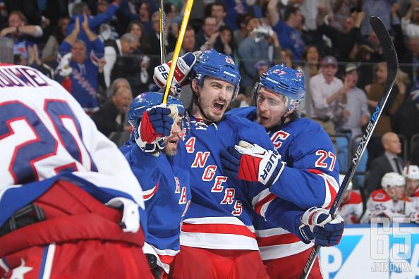Rangers nousi voittoon.