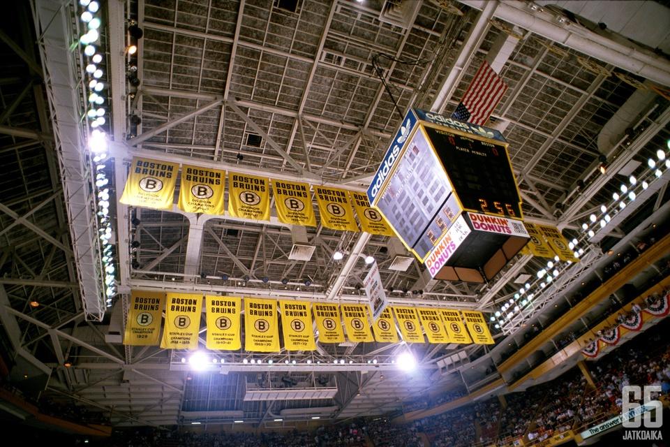 Boston Garden oli Lundin kotiareena neljällä kaudella.
