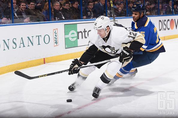 Penguins joutuu kiekkoilemaan ilman Ben Lovejoyta.