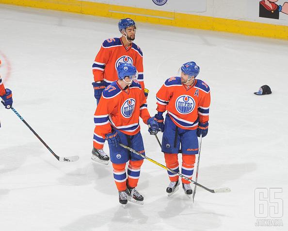 Oilersin McDavidin ja Eberlen tehoilta kaatoi Maple Leafsin