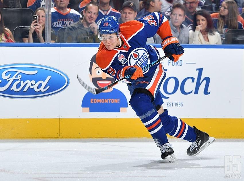 Jesse Puljujärvi aloittanee ensi kauden NHL:ssä.
