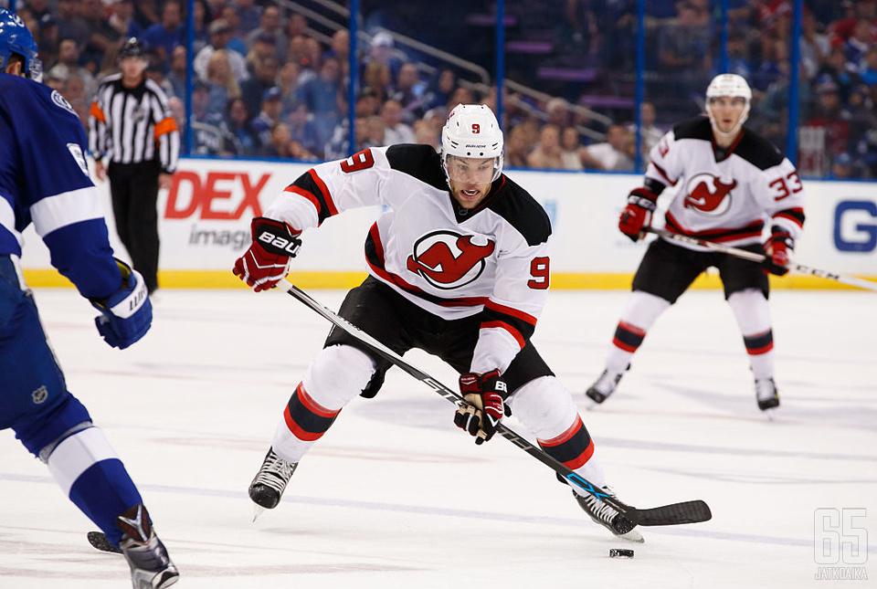 New Jersey Devilsin Taylor Hall on yksi ennakkosuosikeista voittamaan Hart Trophyn.