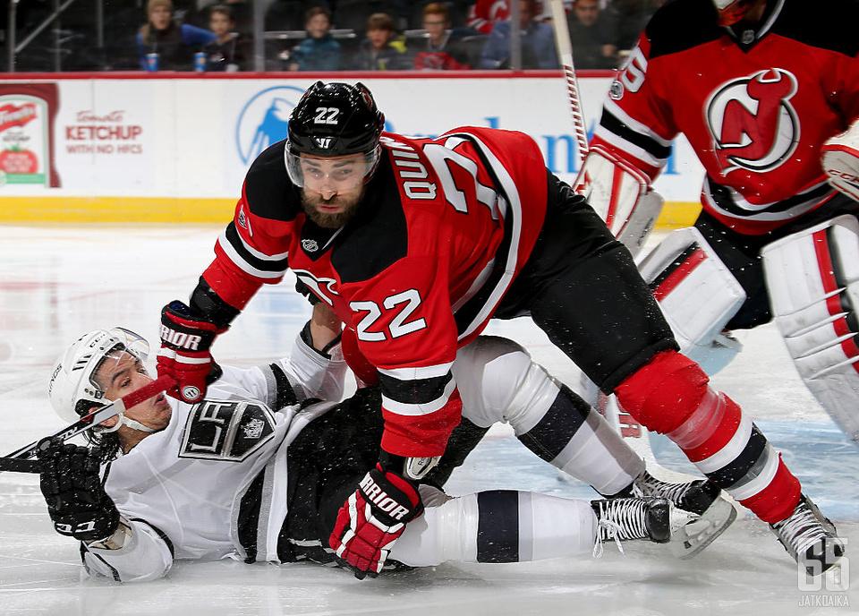 Kyle Quinceyn Devils-ura jäi 53 ottelun mittaiseksi.