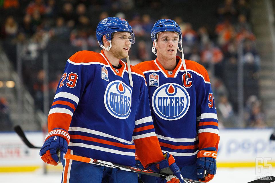 Oilersin hyökkäyspeli tukeutuu jälleen Leon Draisaitliin ja Connor McDavidiin.