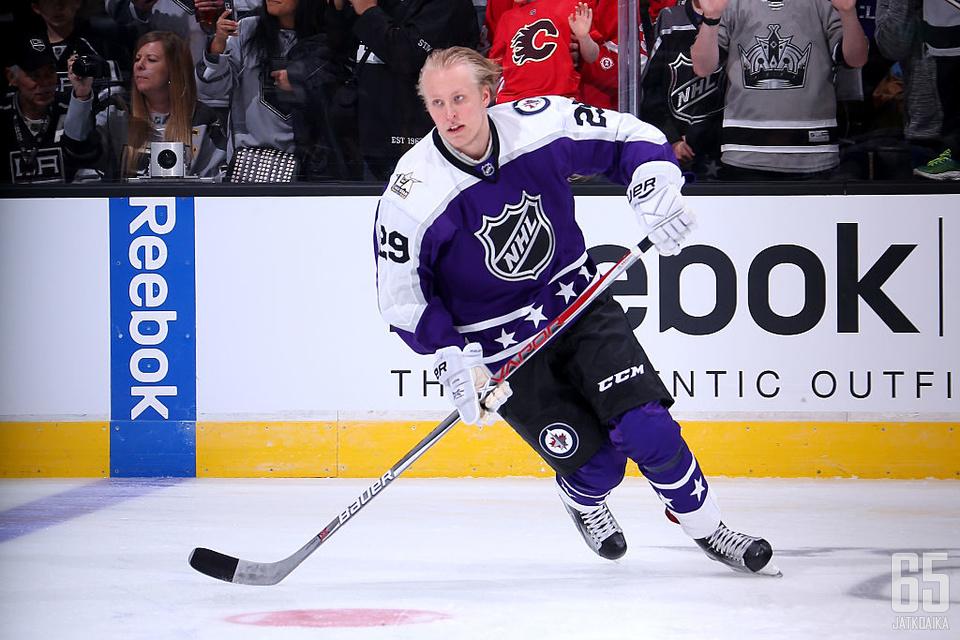 Suomalaisen jääkiekon suurin tähti Patrik Laine valittiin NHL-debyyttikaudellaan sarjan tähdistöotteluun.