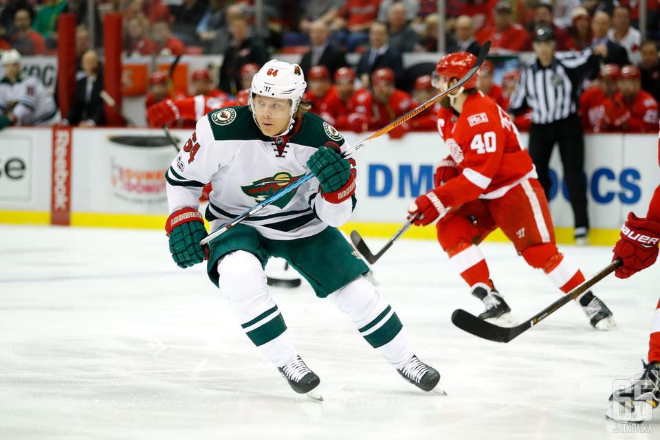 Granlund vauhdissa Detroit Red Wingsiä vastaan.