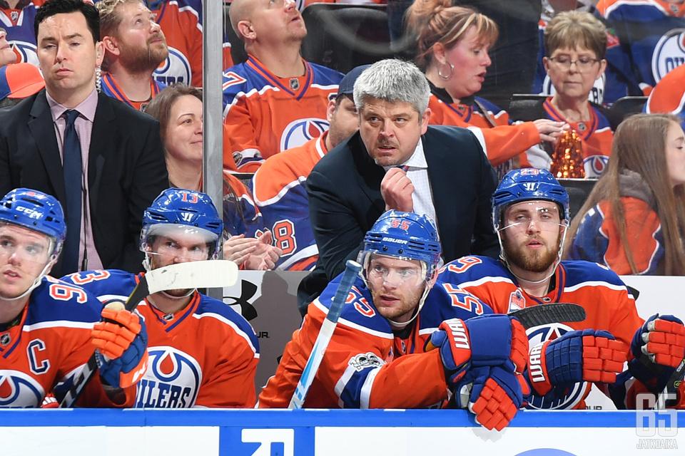 Edmonton Oilersin vaikea alkukausi enteilee pudotuspeleistä rannalle jäämistä.