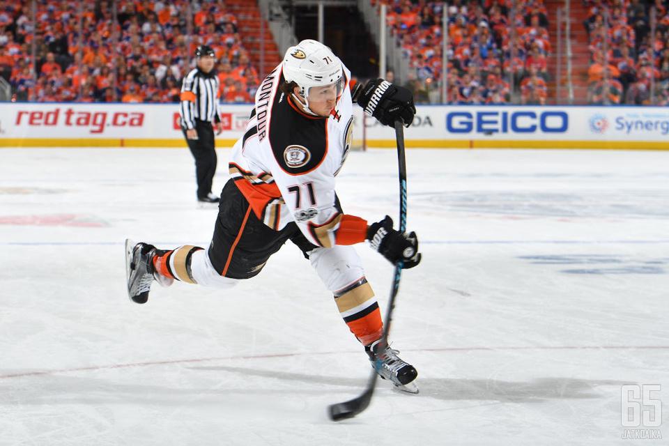Montour on tehnyt NHL:ssä 107 pelaamassaan runkosarjaottelussa 38 tehopistettä.
