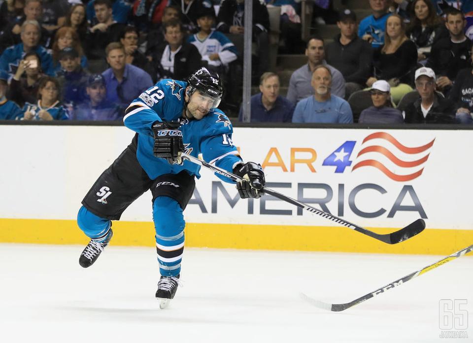 Patrick Marleau pukee tutun Sharks-paidan ylleen jälleen tällä kaudella.