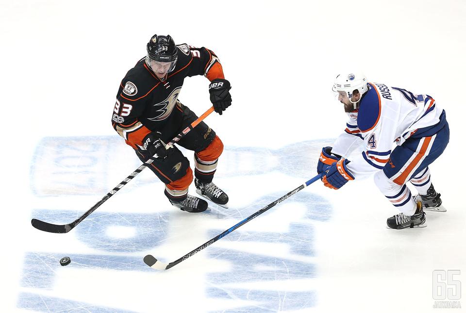 Kris Russell luutii Edmonton Oilersin takalinjoilla seuraavat neljä kautta.