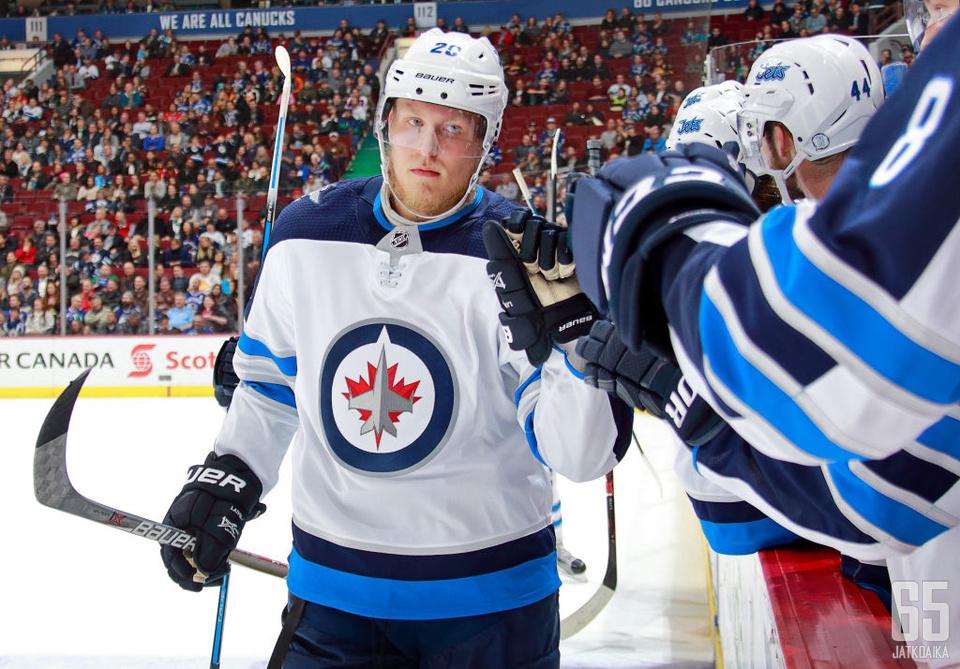 Patrik Laineen alkukausi on herättänyt paljon puhetta. Näin kävi myös NHL 65:00 podcastissa.