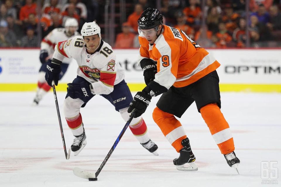 Ivan Provorov jatkaa oranssissa nutussa.