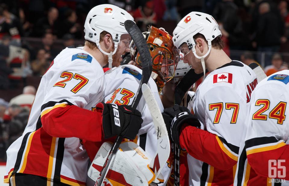 Flames piti voitollaan pudotuspelihaaveitaan elossa.