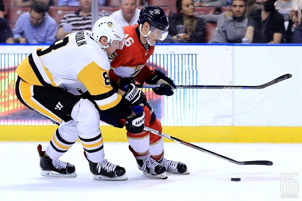 Aleksander Barkov koittaa jälleen viikonloppuna karata pingviinipihdeistä.