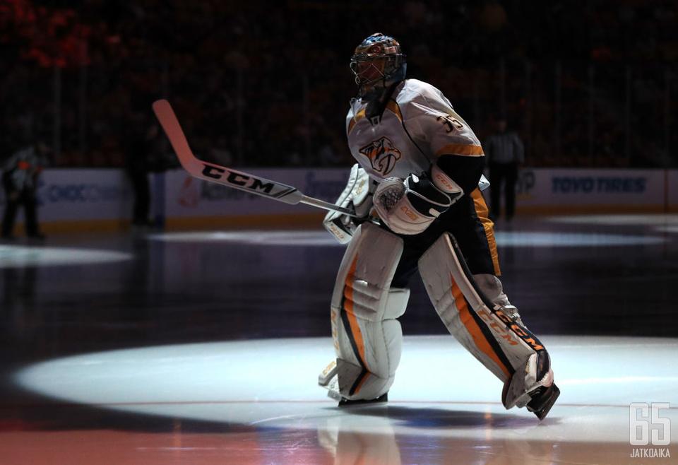 Pekka Rinne on valokeilassa, kun Predators saalistaa voittoja Pittsburghista.