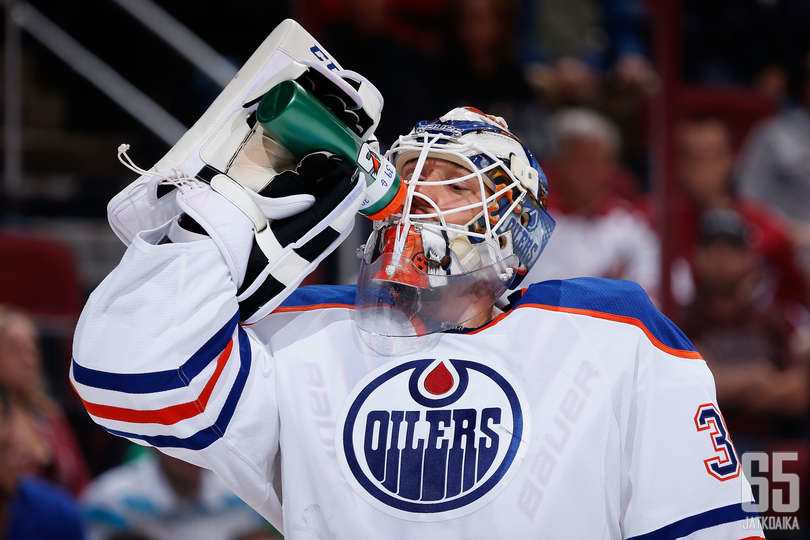 Nilsson torjui viime kaudella KHL:ssä.