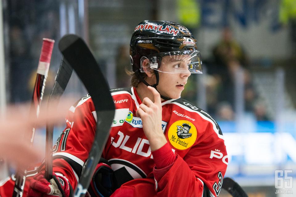 Jesperi Kotkaniemen johtama hyökkäyskolmikko oli vahvassa vireessä Sportia vastaan.