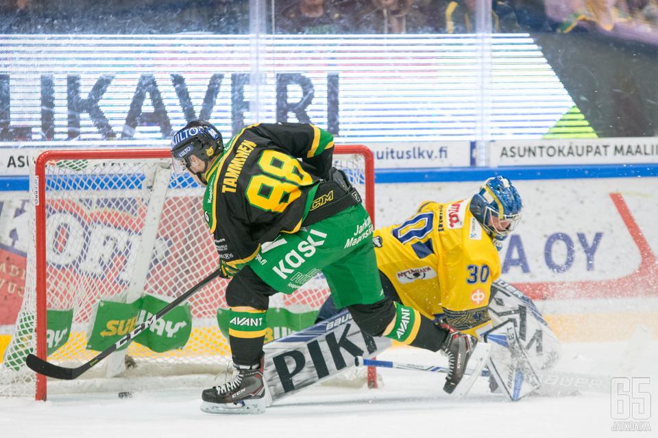Juhani Tamminen ratkaisi lisäpisteen Ilvekselle.